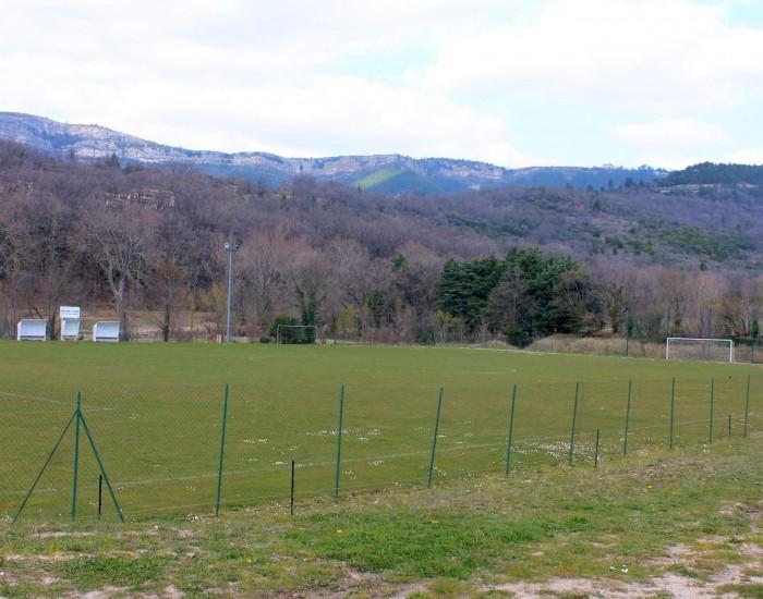 stade-de-saint-etienne-de-gourgas